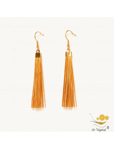 Boucles d'oreilles avec des tiges en or végétal