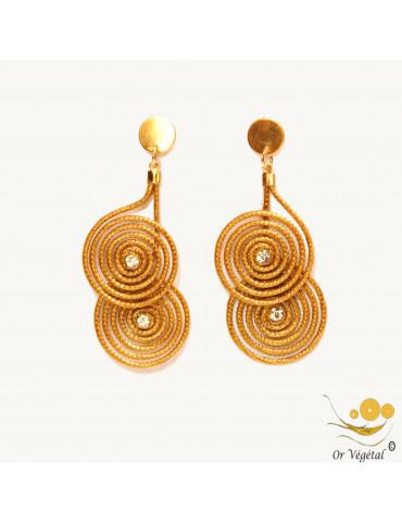 Boucles d'oreilles en or végétal deux  spirales surmontes avec strass