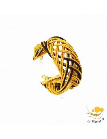 Bracelet cerclé en or végétal avec macramé noir en forme de flèche