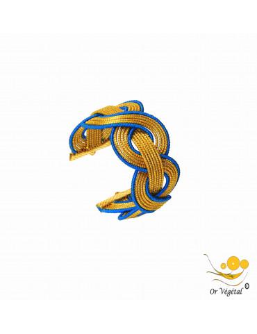Bracelet en or végétal cerclé et entrelacé avec macramé bleu