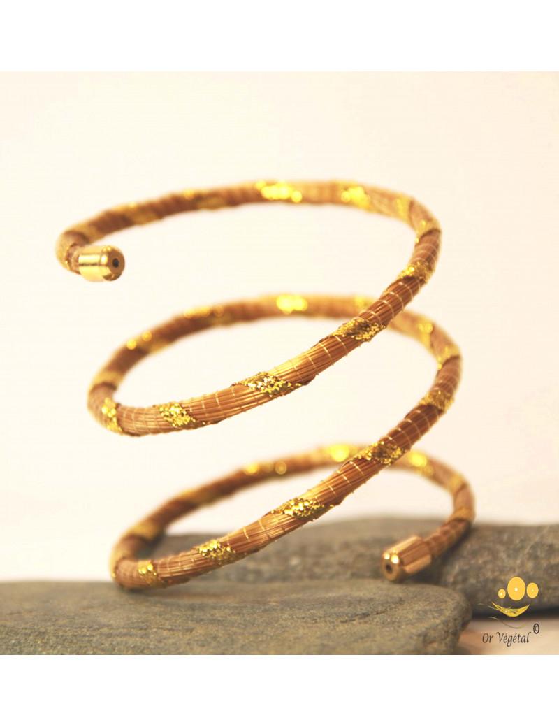 Bracelet de bras en or végétal avec fil doré décoratif