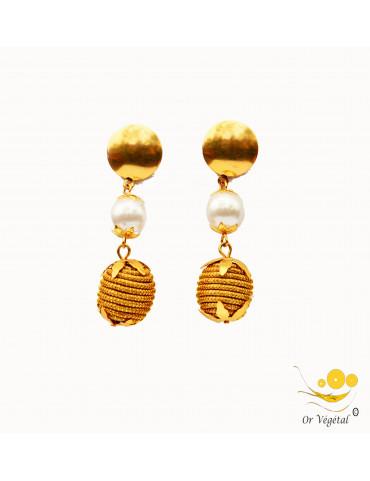 Boucles d'oreilles en or végétal en sphère et avec perle de synthèse