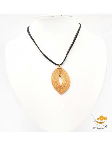 Collier en coton ciré avec pendentif en or végétal en forme de feuille creuse