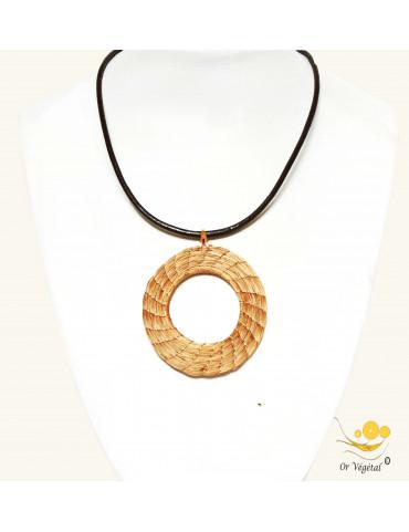 Collier en cuir avec pendentif en or végétal tressé en forme de cercle