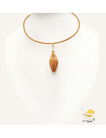 Collier cerclé en or végétal avec pendentif en or végétal nature