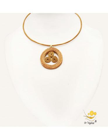 Collier cerclé en or végétal avec pendentif en or végétal cerclé et tressé
