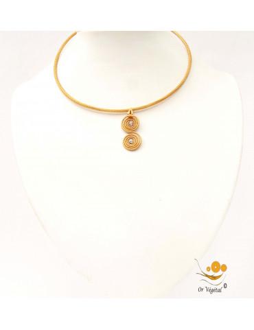 Collier cerclé en or végétal avec pendentif en or végétal cerclé