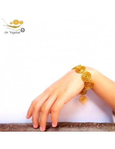 Bracelet en or végétal en forme de chaîne allongé de spirales