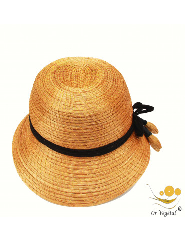 Chapeau rétro en or végétal avec lacet noir décoré de trois gouttes nature en or végétal