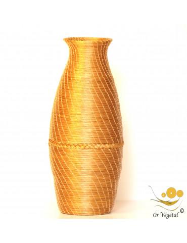 Vase tréssée en or végétal de forme ovale et allongée