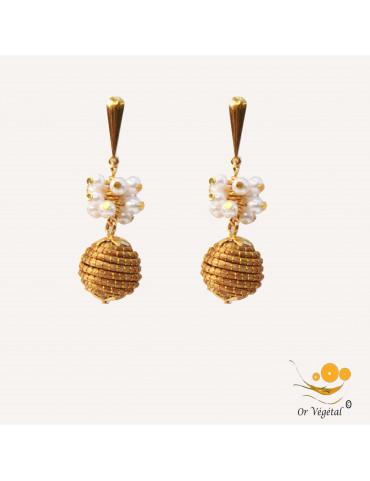 Boucles d'oreille en or végétal en sphères avec des mini perles