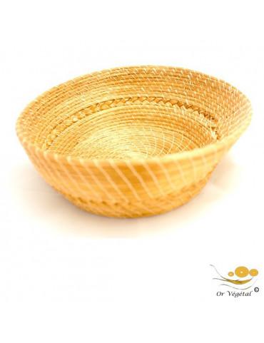 Pannier tréssé en or végétal de forme ronde